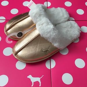 NWT PINK VS Rose Gold Faux Fur Lined Slippers